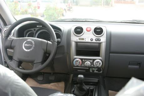 Isuzu Dmax 2008 Interior