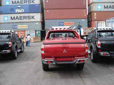 For Images (Pics) of Double Cab Mitsubishi Triton please browse our
